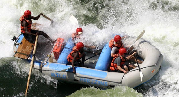 35-WH_RAFTING04_hero-small