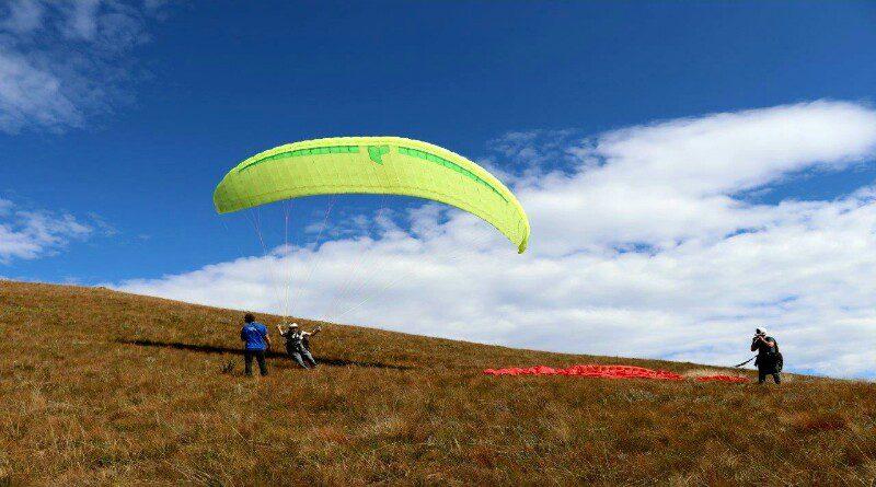 paragliding drakensberg mountains