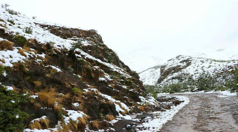 sani pass between south africa and lesotho