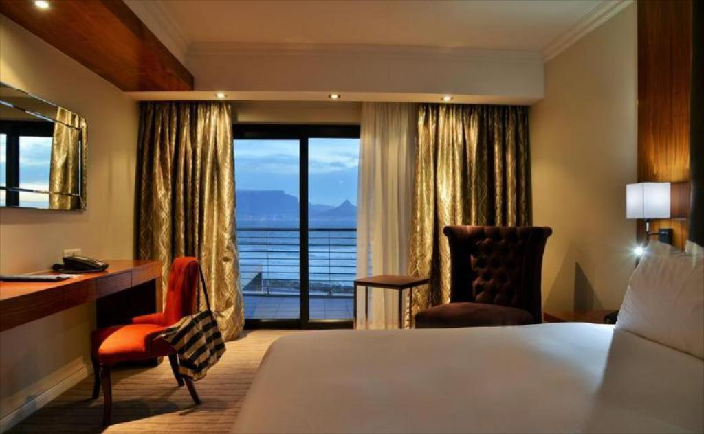 Blaauwberg Beach Hotel 2