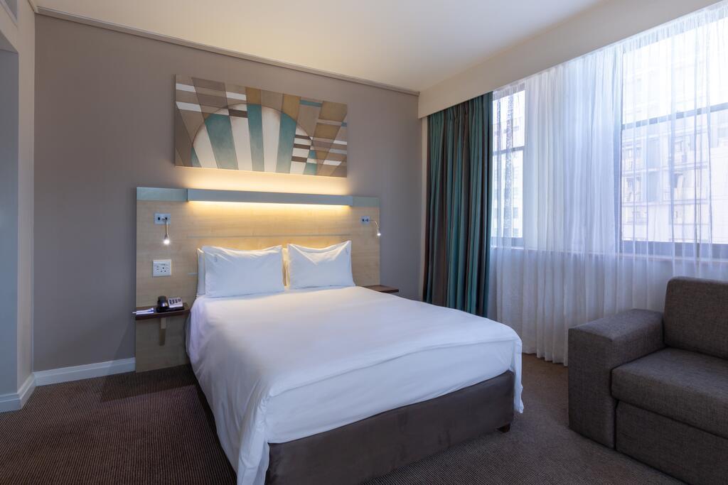 Holiday Inn 3